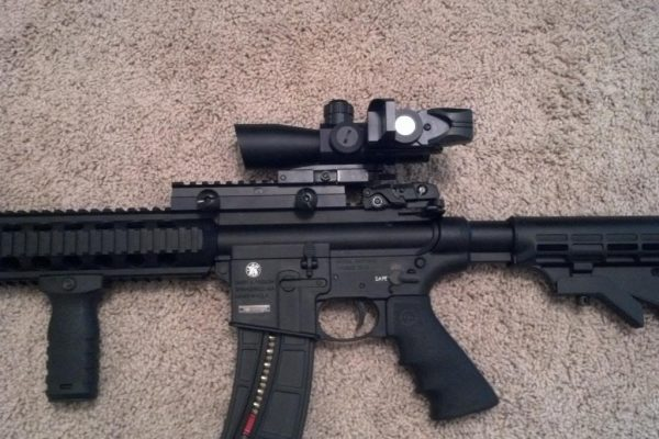 Top 6 Best Scopes For M&P 15-22 – S&W Optic In 2020 Reviews