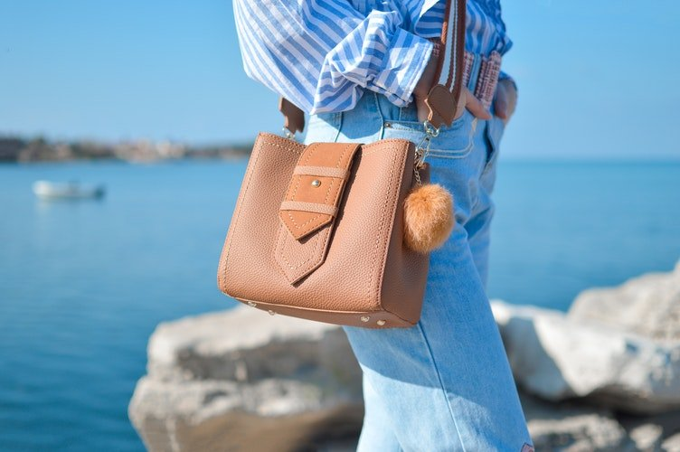 Best Concealed Carry Purses for Women Buying Guide